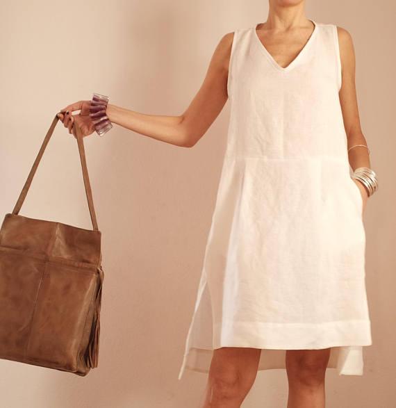 Женское льняное короткое платье