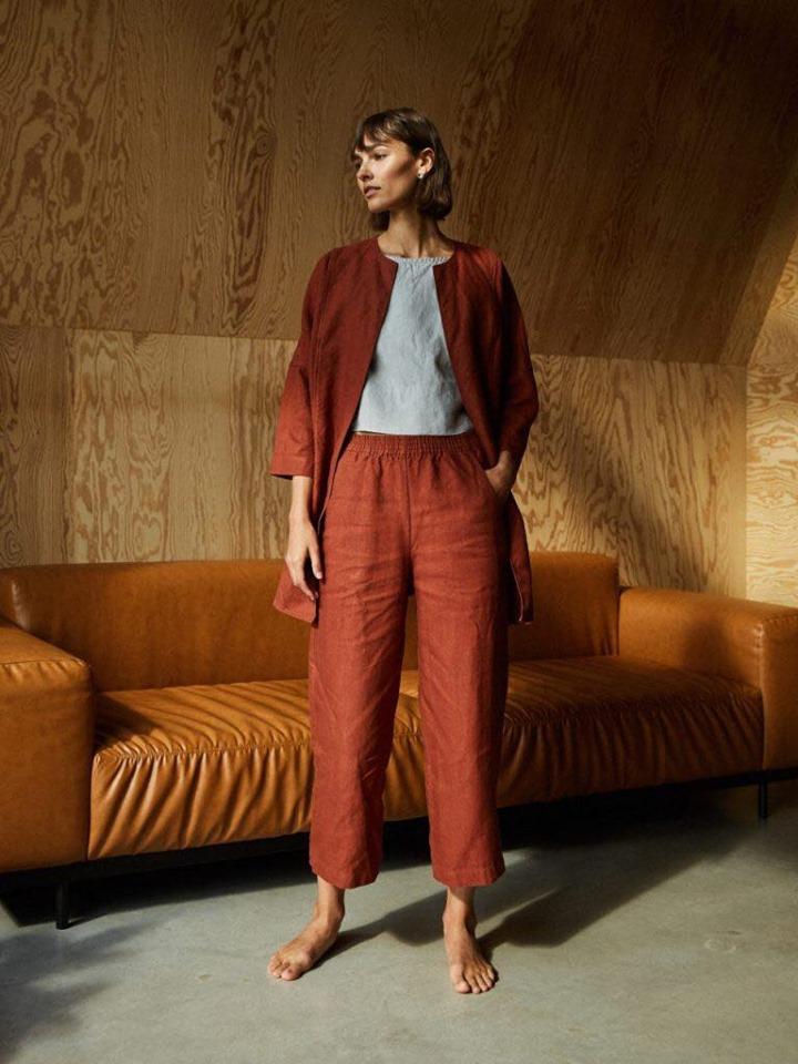 Женский эко льняной костюм свободного кроя, кардиган и брюки.