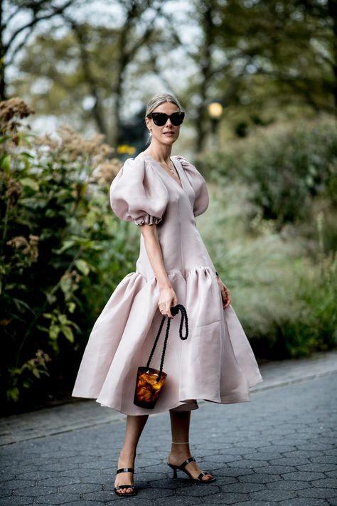 Дизайнерское льняное платье с воланом и буф-рукавами. ХС-6ХЛ.